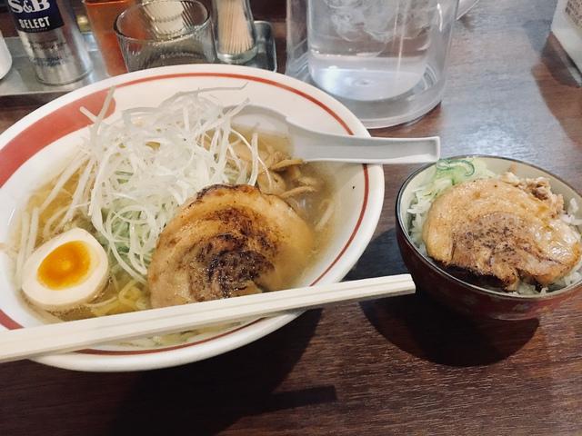 塩ラーメンネギたっぷり+ミニチャーシュー丼